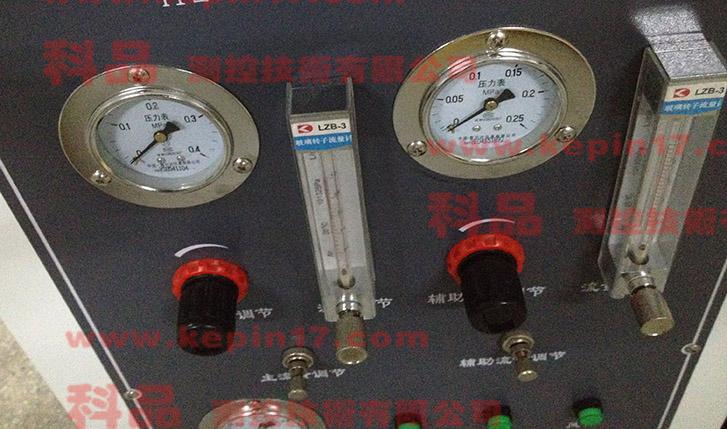 建材分解烟密度测试仪压力表部份特写